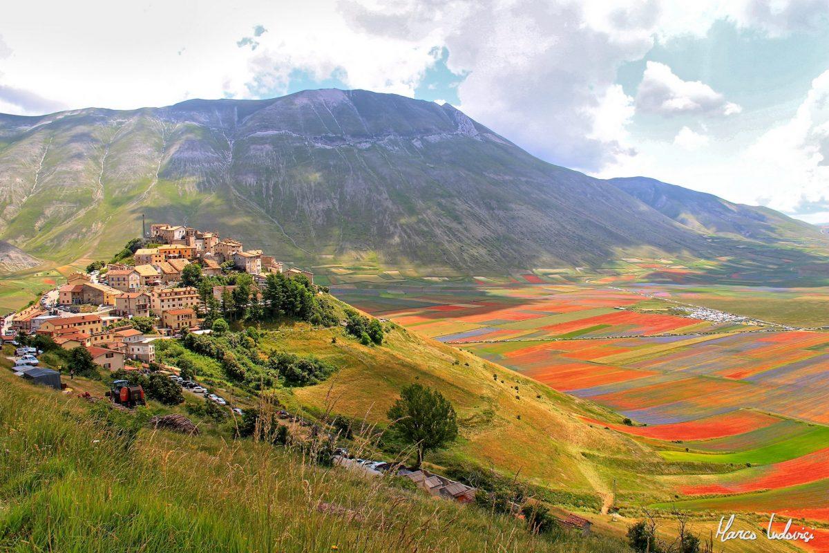 фото городок Кастеллуччо-ди-Норча, Италия